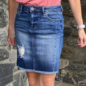 Kut from the Kloth Connie denim skirt size 4